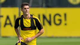 Pulisic returns to Dortmund training before derby