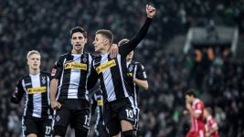 Gladbach inflict first defeat on Heynckes' Bayern