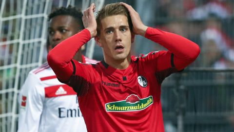 Freiburg and Hamburg share spoils