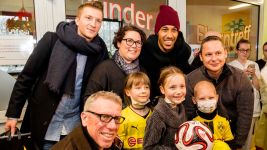 Bundesliga clubs get into the Christmas spirit