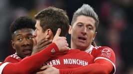 Milestone Lewandowski strike downs Cologne