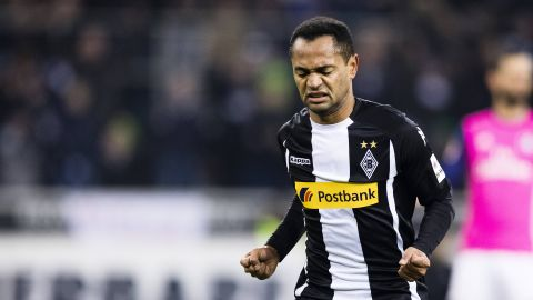 Raffael revels as Borussia's leading man