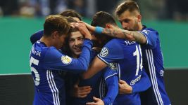 Schalke edge Cologne to reach last eight