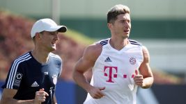 Bayern star Lewandowski back in training
