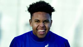Schalke's McKennie tips Eagles to win Superbowl