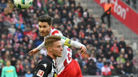 Cologne snatch late win on Hector's return