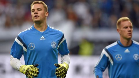 Who will join Neuer and ter Stegen on the plane?