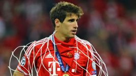 Ton-up for Javi Martinez