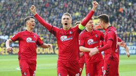 Petersen outshines Aubameyang as Freiburg hold BVB
