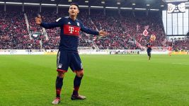 James stars as Bayern down Mainz
