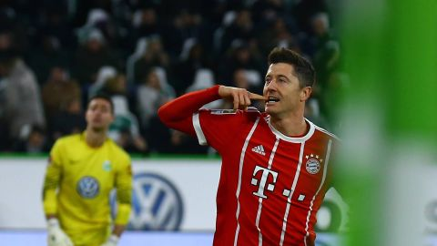 Lewandowski spot on as Bayern beat Wolfsburg