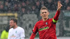 Petersen spot on as Freiburg edge Bremen