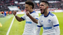 Schalke edge past ten-man Leverkusen