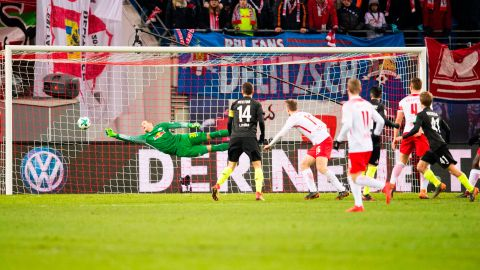 Cologne come from behind to stun RB Leipzig