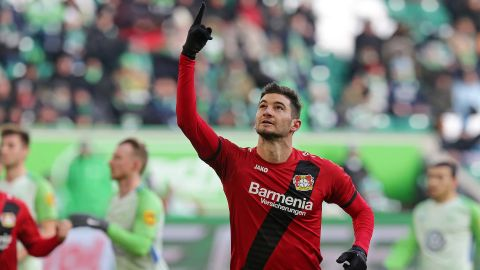 Leverkusen leave Wolfsburg on the brink