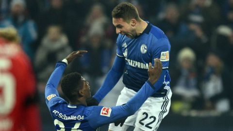 Schalke maintain top-four push after edging Hertha