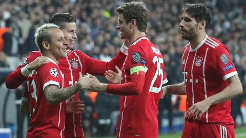 Bayern Munich ease into Champions League quarters