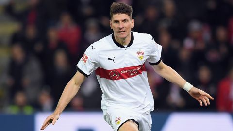Gomez at the double as Stuttgart beat Freiburg