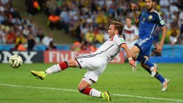 Götze determined to earn World Cup place