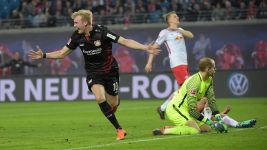 Brandt on fire as Leverkusen down Leipzig