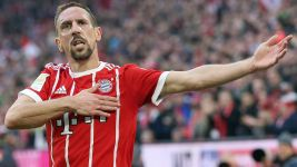 Franck Ribery signs new Bayern deal