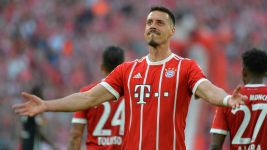 Wagner at the double as Bayern rout Gladbach
