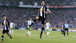 Gladbach breeze past sorry Wolfsburg