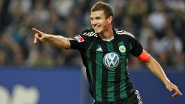 Dzeko sounds Wolfsburg battle cry