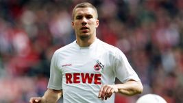 Podolski: 'I dream of wearing Cologne shirt again'