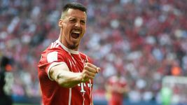 Wagner on target as Bayern beat Frankfurt