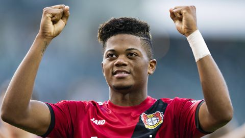 Bailey signs new Leverkusen deal
