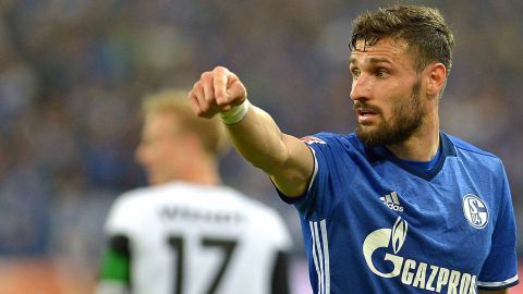 Schalke's Caligiuri eyes Italy call