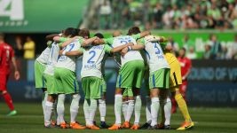 Wolfsburg into play-offs with Cologne win