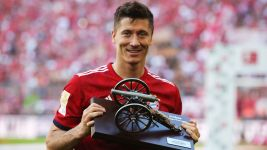 Bundesliga's Mr. Reliable reclaims his throne