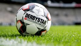 Official DERBYSTAR match ball for 2018/19