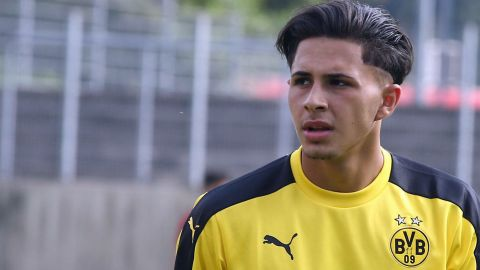 Borussia Dortmund youth player defies doctors