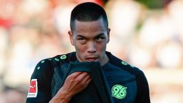 Bobby Wood scores on Hannover debut