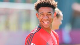 USA teenager Richards makes Bayern debut