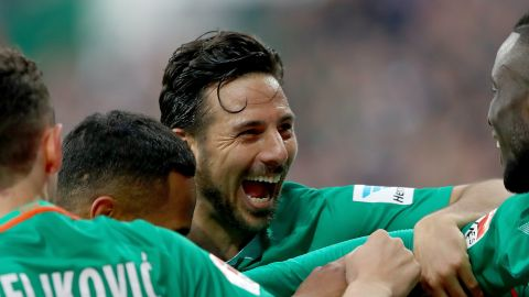 Pizarro signs for Bremen... again!