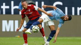 Bayern edged by City