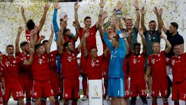 Lewandowski hits hat-trick as Bayern win Supercup