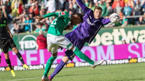 Late goals in Bremen-Hannover stalemate