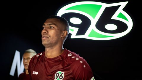 Hannover's Walace earns Brazil call-up
