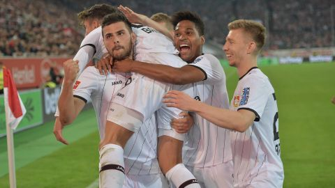 Volland at the double in Düsseldorf