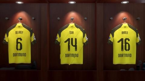 Watch: Play with Borussia Dortmund on FIFA 19!