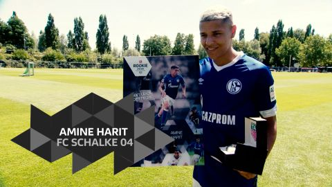 Amine Harit erhält den Rookie Award by TAG Heuer