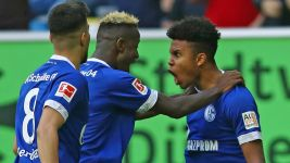 McKennie helps Schalke past Düsseldorf
