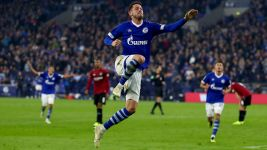 Uth among goals as Schalke down Hannover