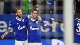 Burgstaller and Uth secure Schalke win