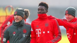 "Davies ""earmarked for Bayern first-team"""